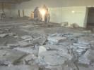 Entkernungsarbeiten eines Hallenbads in Wemding